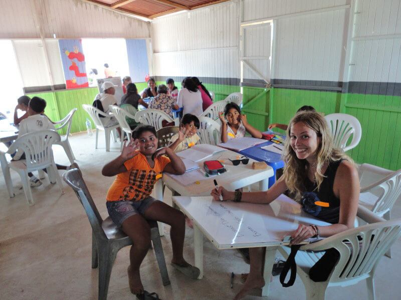 how to find low cost volunteering abroad