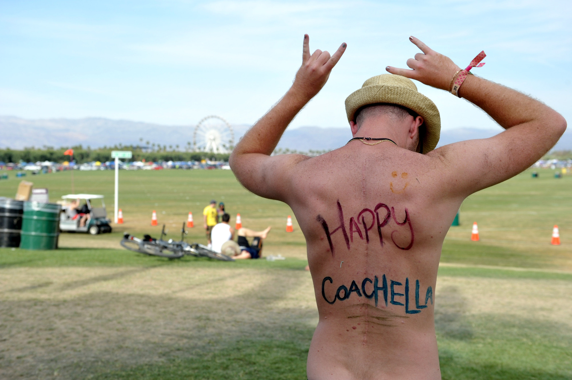 things to see at coachella besides the music