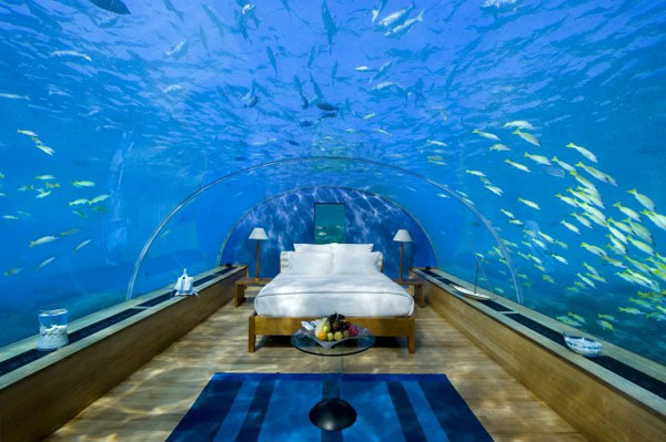 Our bed bucketlist 7 of the most amazing places to sleep for Most beautiful bed in the world