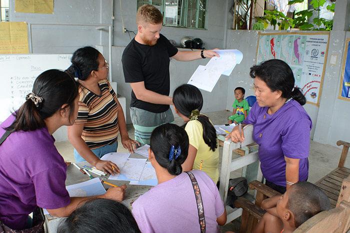 volunteering overseas for gap year